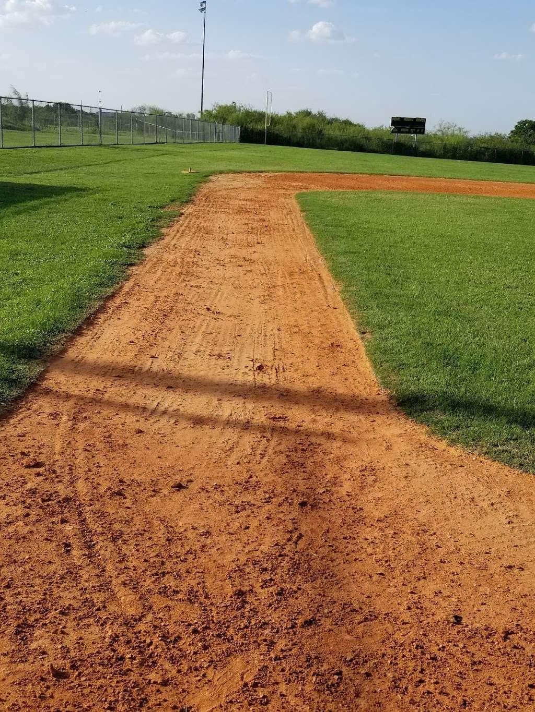 Rawlings Railyard Baseball Complex - park  | Photo 4 of 7 | Address: 3200-3484 Hiawatha St, San Antonio, TX 78210, USA | Phone: (512) 563-9585