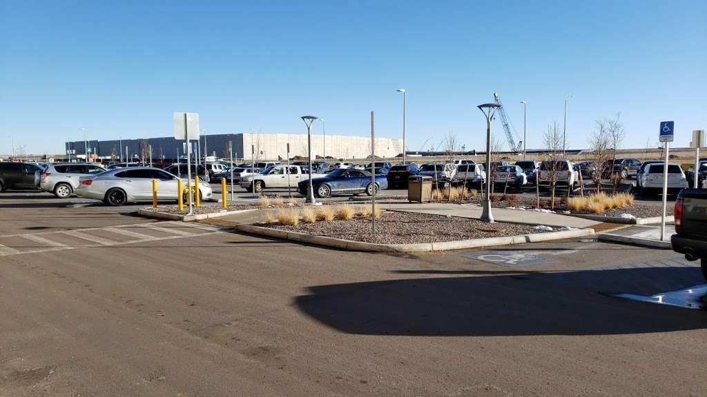 Amazon DEN2 - storage  | Photo 5 of 10 | Address: 22205 E 19th Ave, Aurora, CO 80019, USA | Phone: (855) 574-2041