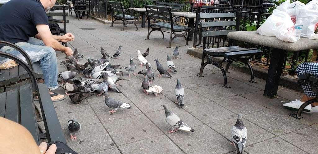 Athens Square - park  | Photo 3 of 10 | Address: 30th St & 30th Ave, Astoria, NY 11102, USA