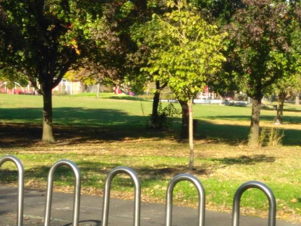Soundview Park - park  | Photo 3 of 10 | Address: Bronx, NY 10473, USA
