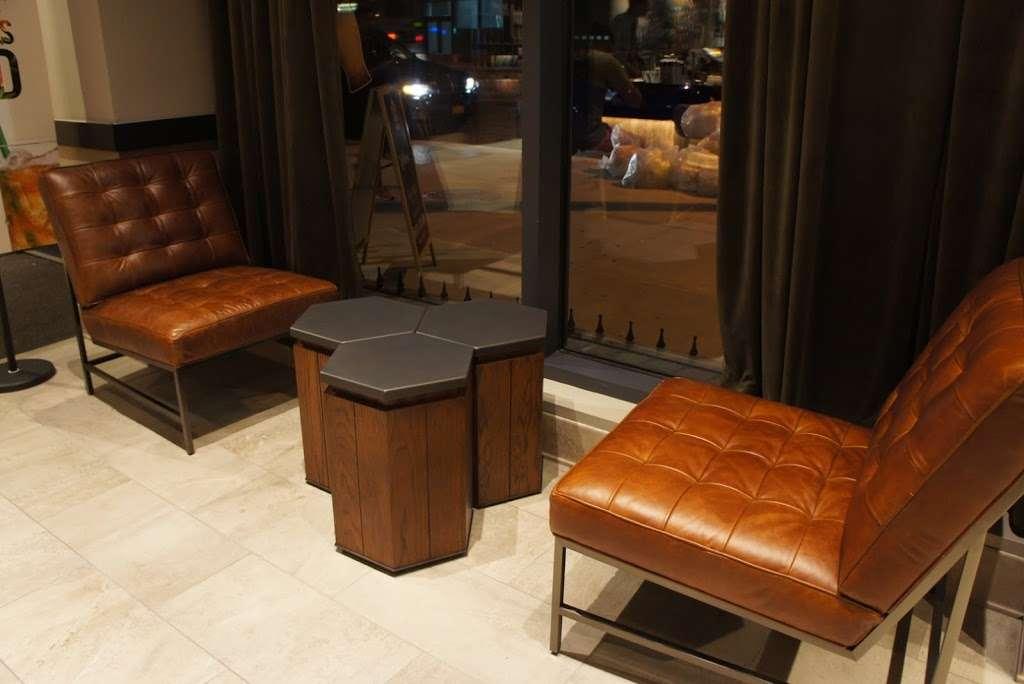 Starbucks - cafe  | Photo 3 of 10 | Address: 26-14 Jackson Ave, Long Island City, NY 11101, USA | Phone: (347) 533-2101