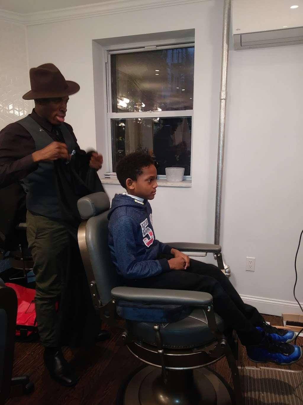 Classic Man Barber Lounge - hair care  | Photo 10 of 10 | Address: 443-445 E 9th St, New York, NY 10009, USA | Phone: (646) 484-5416
