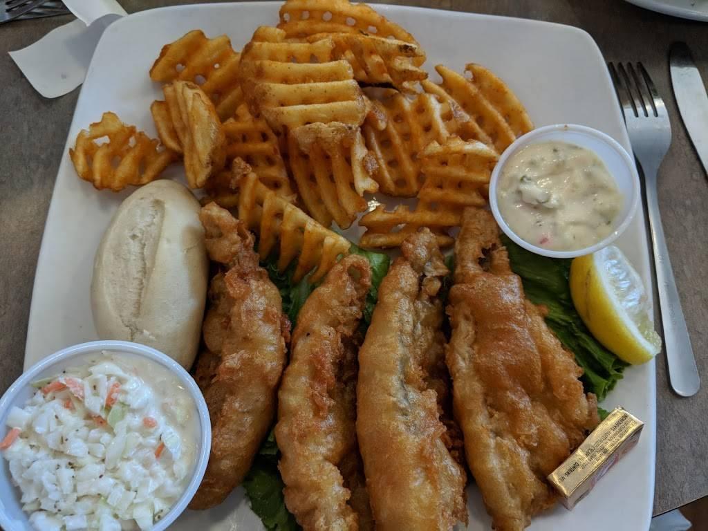 Headquarters Bar & Grill - restaurant  | Photo 2 of 10 | Address: 101 Concord Dr, Oregon, WI 53575, USA | Phone: (608) 291-0750