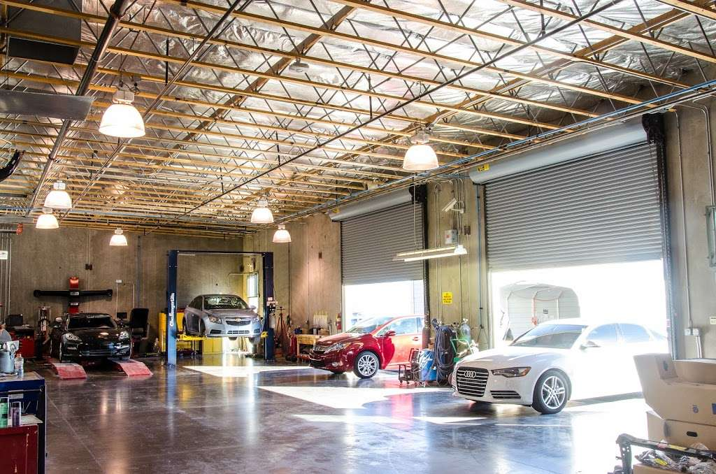 New Look Collision Center - car repair  | Photo 1 of 10 | Address: 5845 W Shelbourne Ave, Las Vegas, NV 89139, USA | Phone: (702) 269-1650
