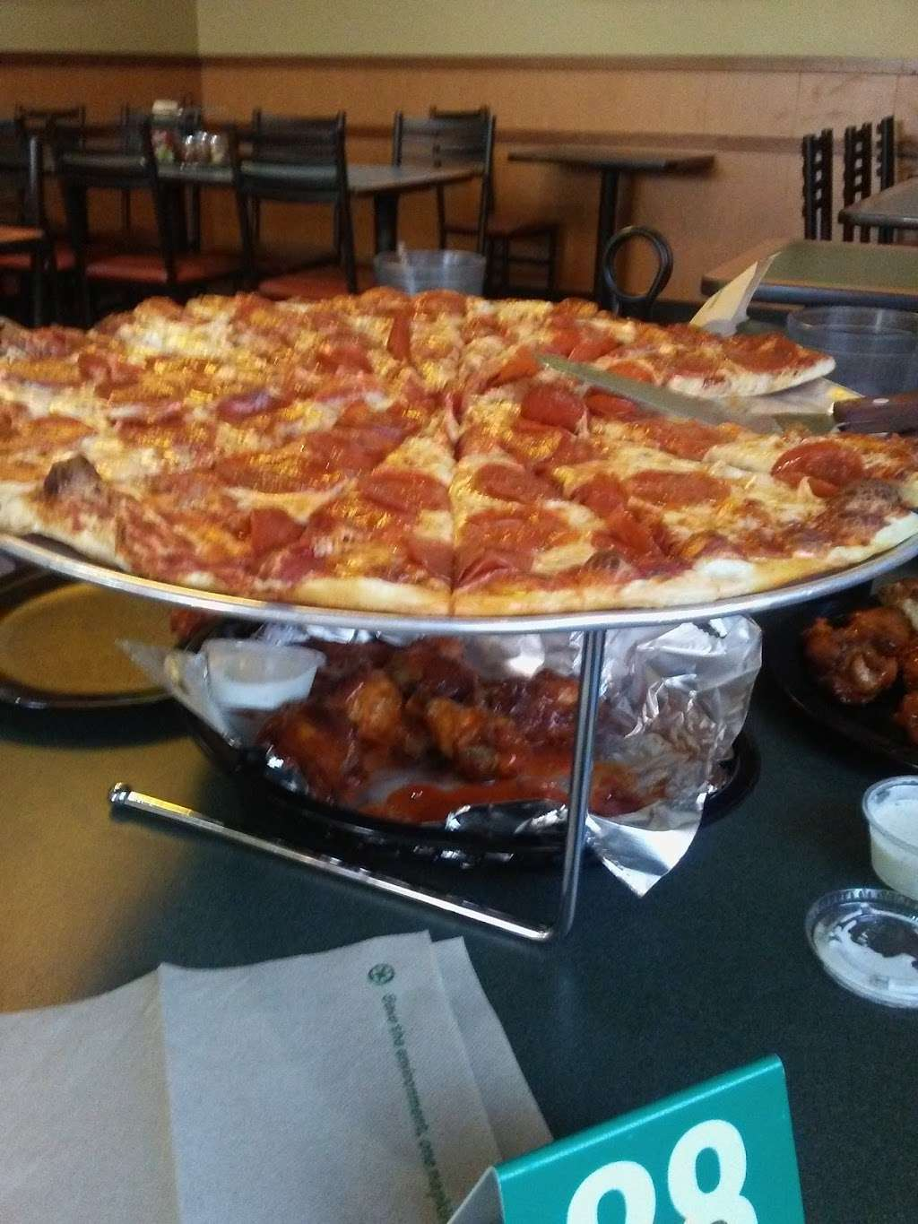 Round Table Pizza - meal delivery  | Photo 9 of 10 | Address: 2270 S Azusa Ave D, West Covina, CA 91792, USA | Phone: (626) 839-2900