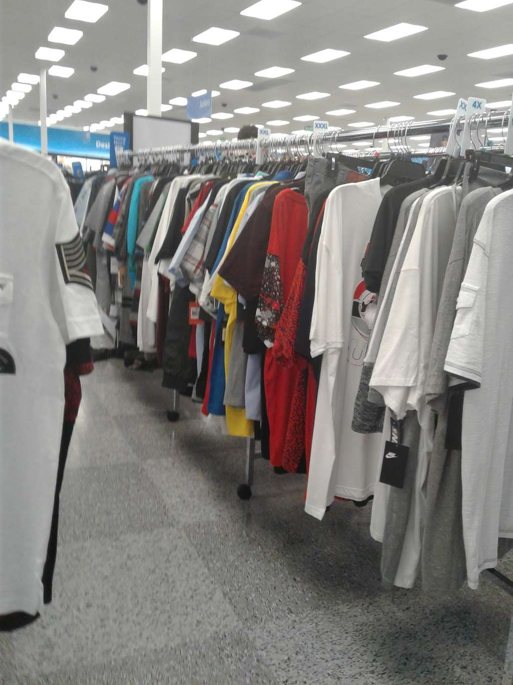 Ross Dress for Less - clothing store  | Photo 6 of 10 | Address: 6545 Spring Stuebner Rd, Spring, TX 77379, USA | Phone: (281) 370-0389