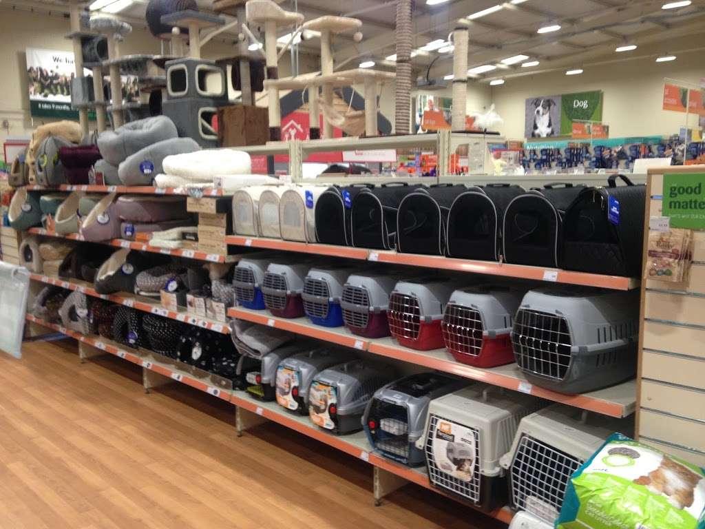 Pets at Home Brentford - pet store  | Photo 5 of 10 | Address: 2-10 London Rd, Brentford TW8 8JW, UK | Phone: 0345 600 9664