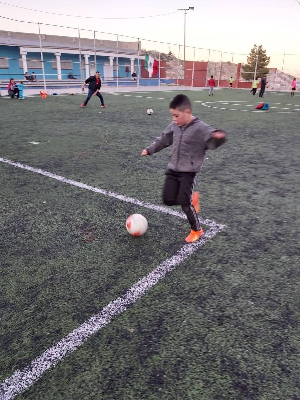 Escuela de Futbol FC JUAREZ BRAVOS filial Cd.Juarez - school    Photo 3 of 4   Address: 16 de Septiembre, 32210 Cd Juárez, Chih., Mexico   Phone: 656 430 2017