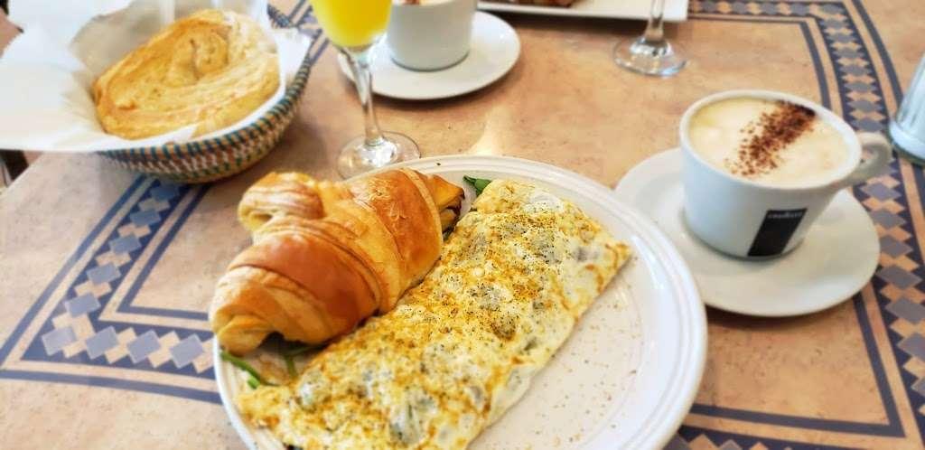 La Francesita Gourmet Bakery Cafe - cafe  | Photo 5 of 10 | Address: 9550 Woodlands Pkwy, The Woodlands, TX 77382, USA | Phone: (281) 298-9684