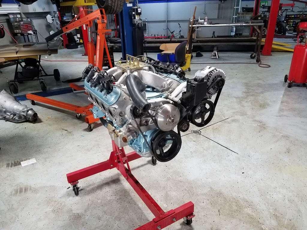 Joes Garage and Customs - car repair  | Photo 3 of 10 | Address: 2050 E Algonquin Rd, Algonquin, IL 60102, USA | Phone: (847) 458-1050