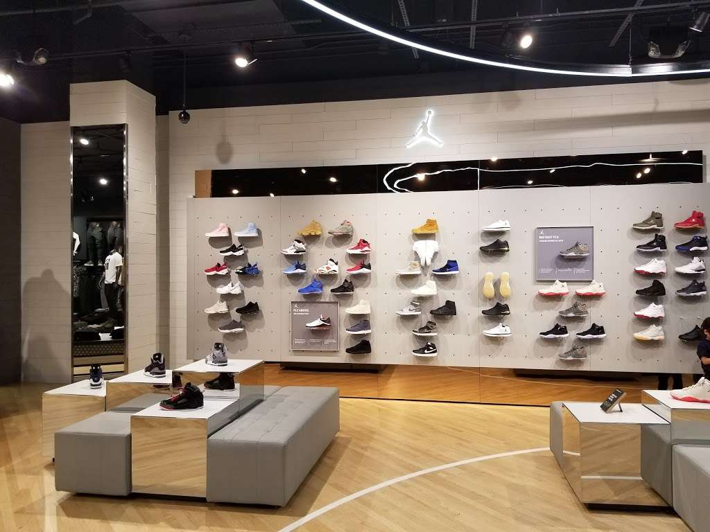 House of Hoops by Foot Locker Shoe store   4200 Conroy Rd