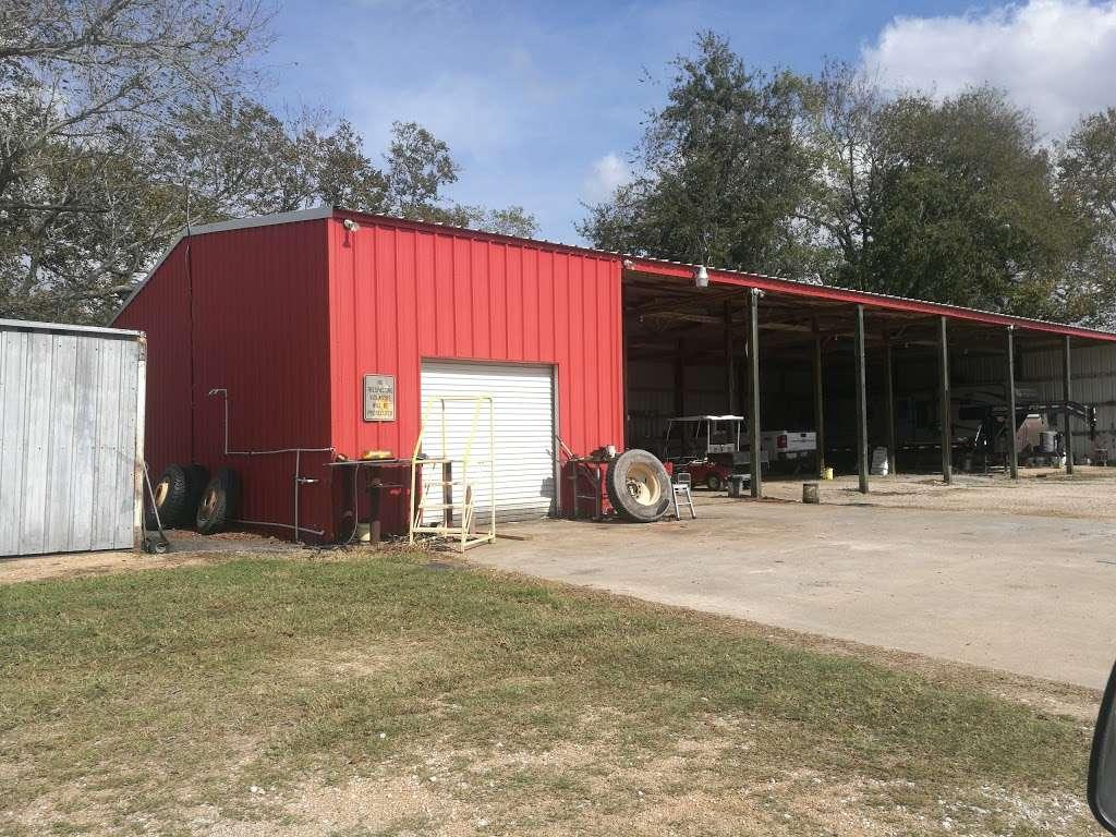 Barina RV & Boat Storage - storage    Photo 4 of 9   Address: 4235 County Rd 288, Angleton, TX 77515, USA   Phone: (979) 299-3772