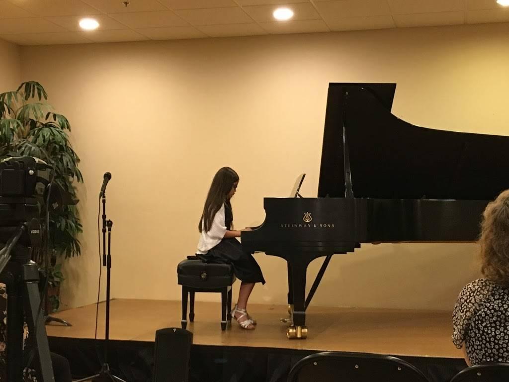 Las Vegas Piano School - electronics store    Photo 2 of 9   Address: 4155 Flamingo Crest Dr #5, Las Vegas, NV 89121, USA   Phone: (702) 809-7576