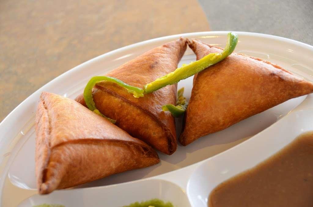 Chataka Masti Indian Grill - restaurant  | Photo 6 of 10 | Address: 888 S. Rt 59 #108, Naperville, IL 60540, USA | Phone: (630) 922-5880