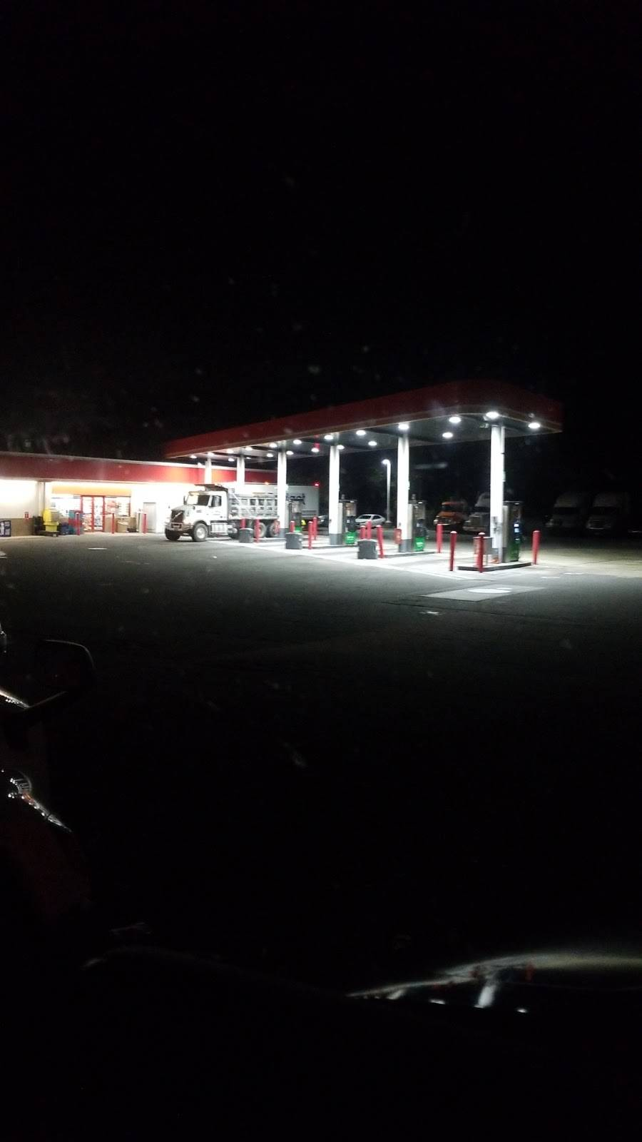 Circle K - convenience store    Photo 3 of 6   Address: 4115 Sportsman Club Rd, Jacksonville, FL 32219, USA   Phone: (904) 783-1866