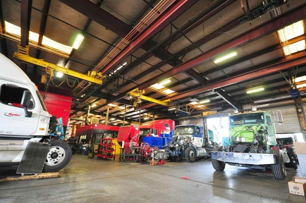 Cummins Sales and Service - car repair  | Photo 2 of 10 | Address: 3061 S Riverside Ave, Bloomington, CA 92316, USA | Phone: (800) 653-4373