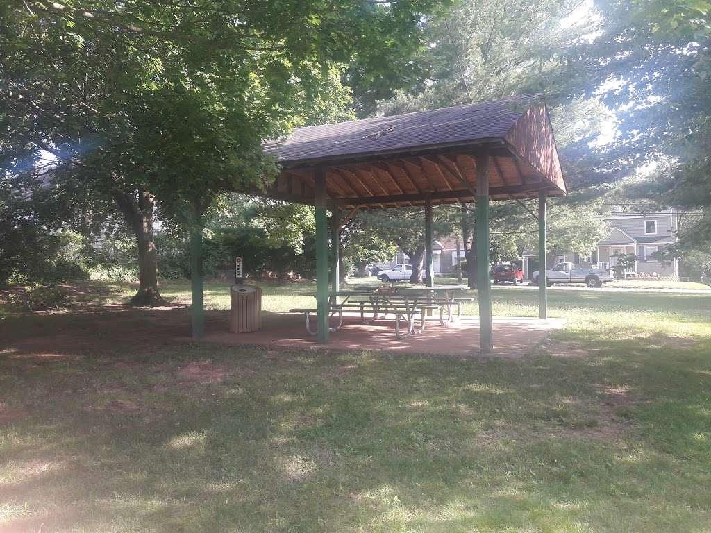 Stephen J Capestro Park - park  | Photo 9 of 10 | Address: 337 Grandview Ave, Edison, NJ 08837, USA | Phone: (732) 745-3900