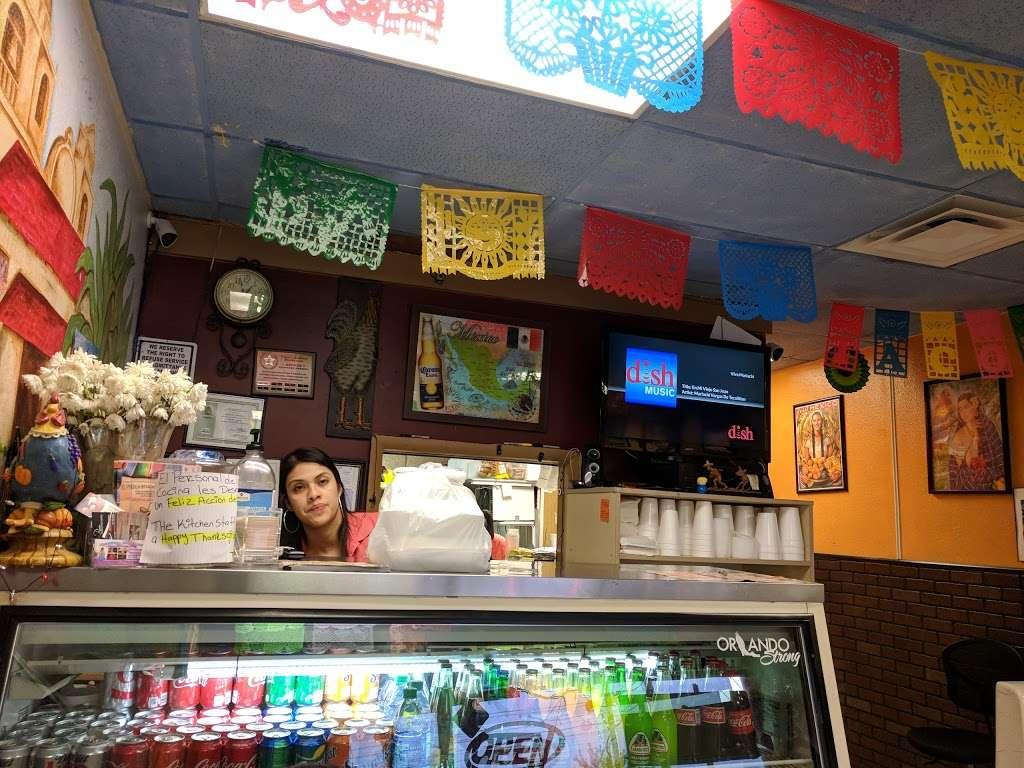 El Pueblo Mexican restaurant - restaurant  | Photo 2 of 10 | Address: 7124 Aloma Ave, Winter Park, FL 32792, USA | Phone: (407) 677-5534