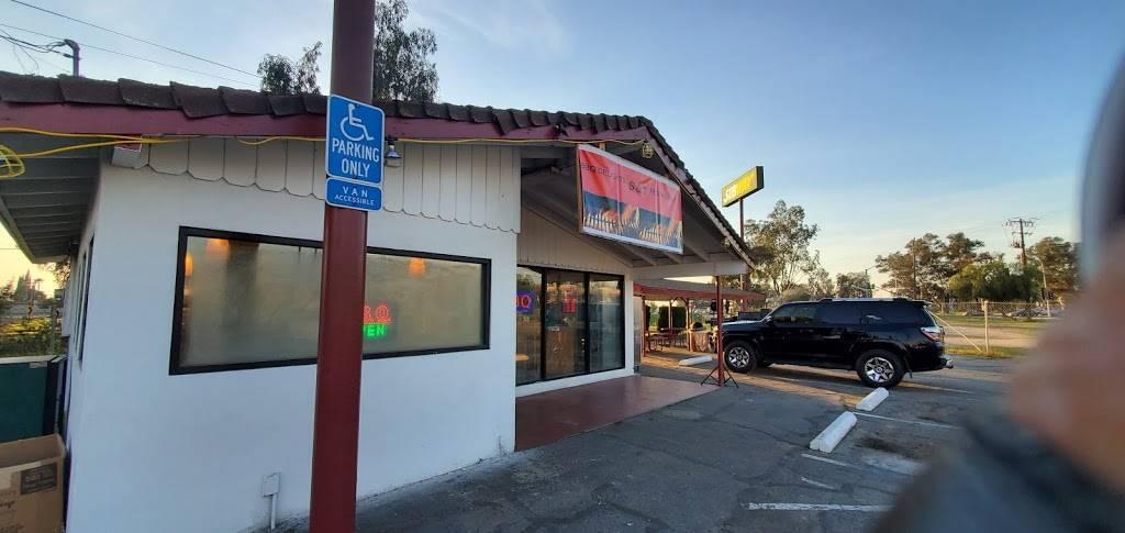 S&T BBQ Delights Restaurant - restaurant  | Photo 1 of 7 | Address: 4965 N Barcus Ave, Fresno, CA 93722, USA | Phone: (559) 275-9033