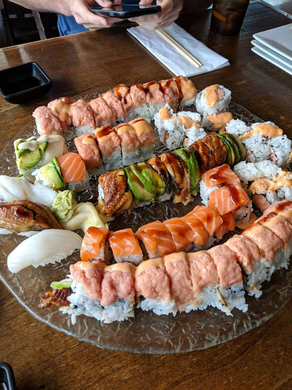Sushi Cruise - restaurant  | Photo 6 of 10 | Address: 725 River Rd #51, Edgewater, NJ 07020, USA | Phone: (201) 313-3611