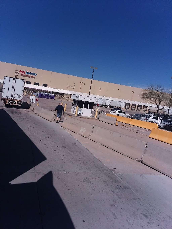 PetSmart Distribution Center - store  | Photo 2 of 4 | Address: 7800 W Roosevelt St, Phoenix, AZ 85043, USA | Phone: (623) 432-3800