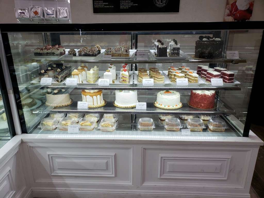 Confectionaires - bakery  | Photo 8 of 10 | Address: 2961 Webster Ave, Bronx, NY 10458, USA