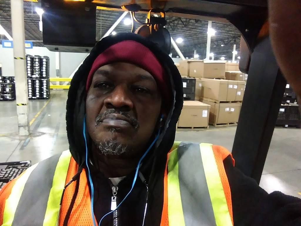 KACE Logistics - car repair  | Photo 9 of 10 | Address: 11851 Freud St, Detroit, MI 48214, USA | Phone: (313) 499-3088