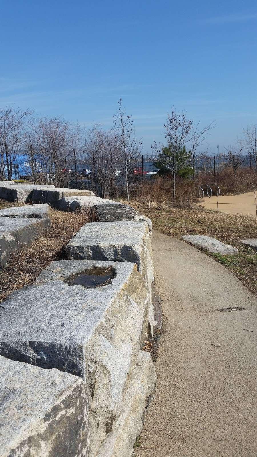 Hunts Point Landing - park  | Photo 8 of 10 | Address: 2 Farragut St, Bronx, NY 10474, USA