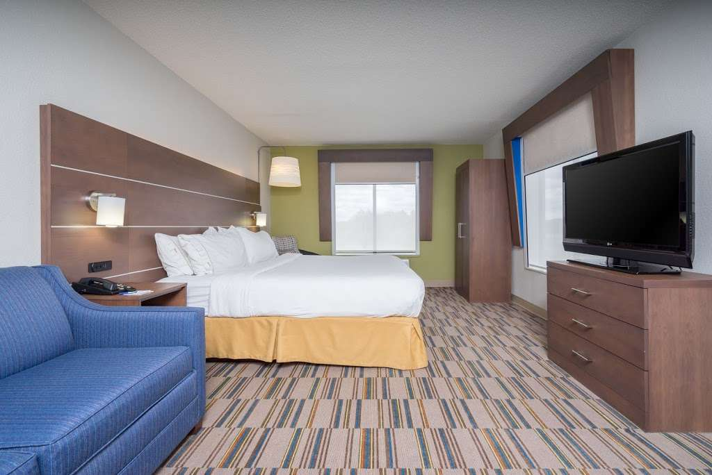 Holiday Inn Express & Suites Quakertown - lodging  | Photo 8 of 10 | Address: 1918 PA-663, Quakertown, PA 18951, USA | Phone: (215) 529-7979