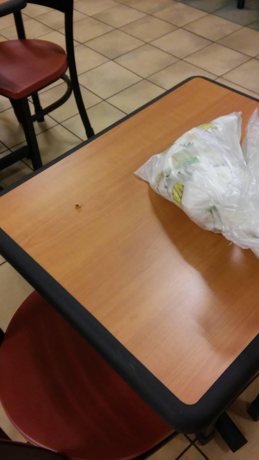Subway - meal takeaway  | Photo 9 of 10 | Address: 8875 - A Highland Rd, Baton Rouge, LA 70808, USA | Phone: (225) 769-0034