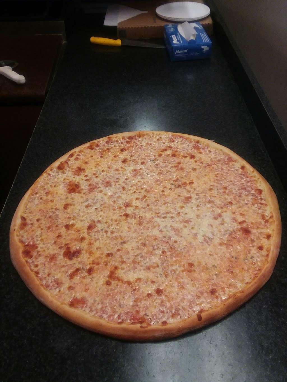 Hometown Deli & Pizzeria - restaurant  | Photo 7 of 10 | Address: 812 NY-52, Fishkill, NY 12524, USA | Phone: (845) 896-9730