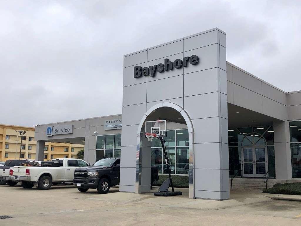 Bayshore Chrysler Jeep Dodge RAM - car dealer  | Photo 5 of 10 | Address: 5225, I-10 E, Baytown, TX 77521, USA | Phone: (281) 421-6000