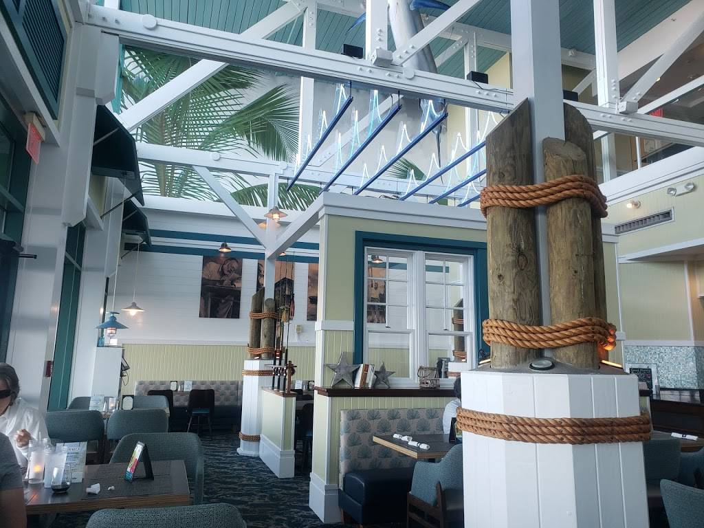Hemingways Restaurant & Bar Pilar - restaurant  | Photo 7 of 10 | Address: 2101 Atlantic Ave, Virginia Beach, VA 23451, USA | Phone: (757) 419-2544