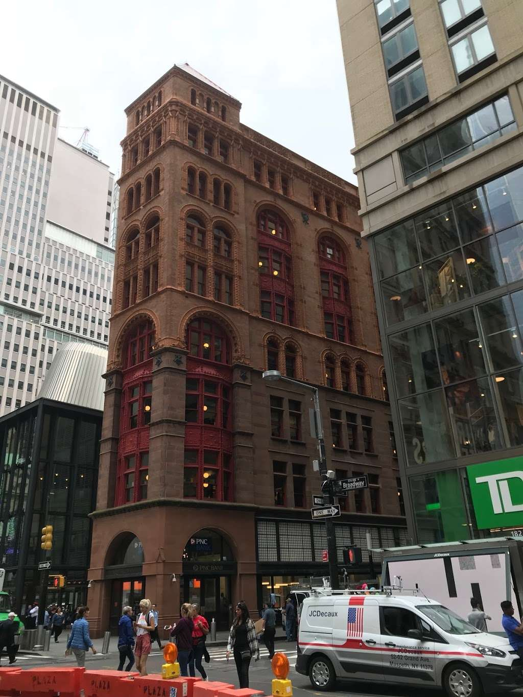 PNC Bank - bank  | Photo 2 of 4 | Address: 4206-b, Broadway, New York, NY 10034, USA | Phone: (212) 444-0000