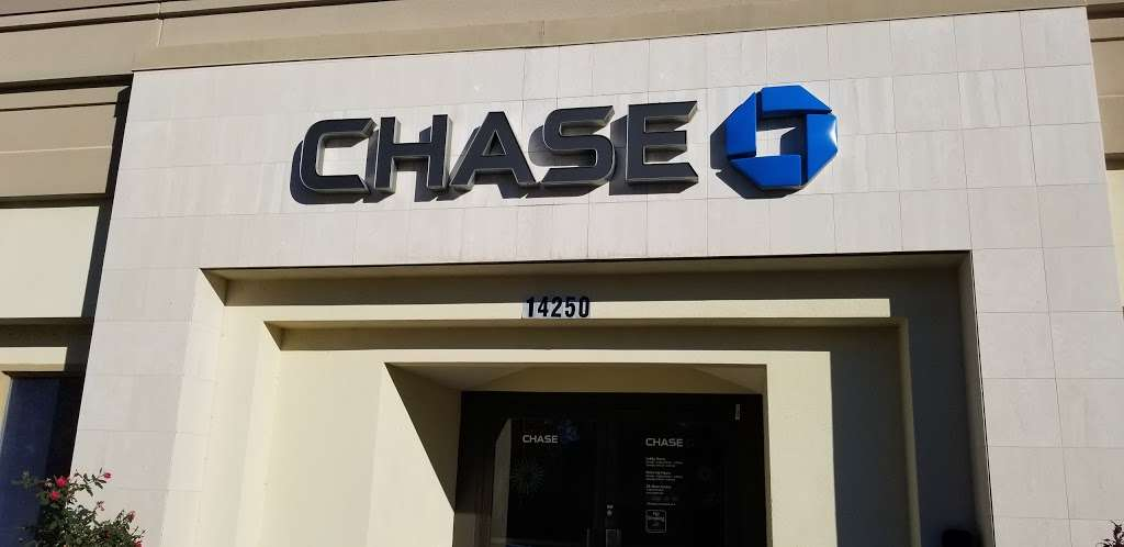 Chase Bank - bank  | Photo 10 of 10 | Address: 14250 Marsh Ln, Addison, TX 75001, USA | Phone: (972) 488-0066