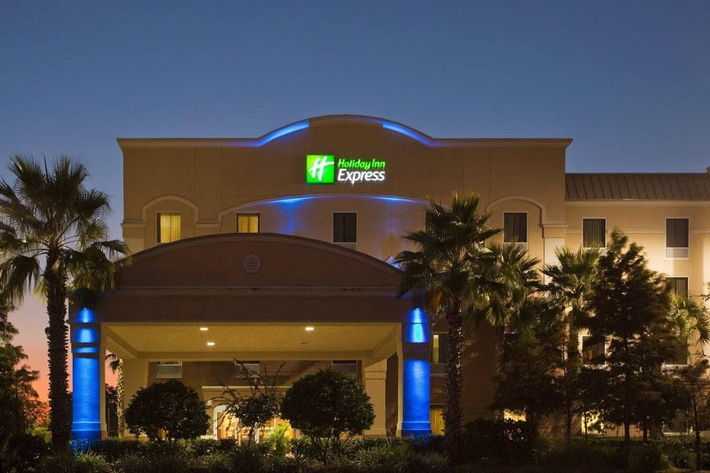 Holiday Inn Express & Suites Clearwater/US 19 N - lodging  | Photo 6 of 8 | Address: 2580 Gulf to Bay Blvd, Clearwater, FL 33765, USA | Phone: (727) 797-6300