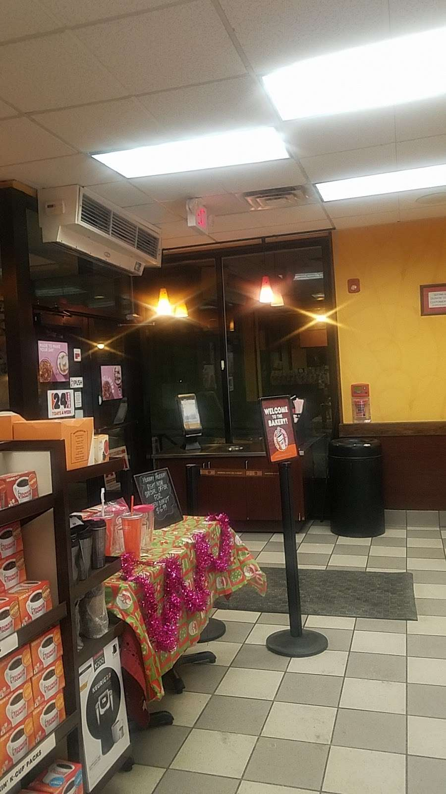 Dunkin Donuts - cafe  | Photo 1 of 10 | Address: 850 Bronx River Rd, Yonkers, NY 10708, USA | Phone: (914) 237-5921