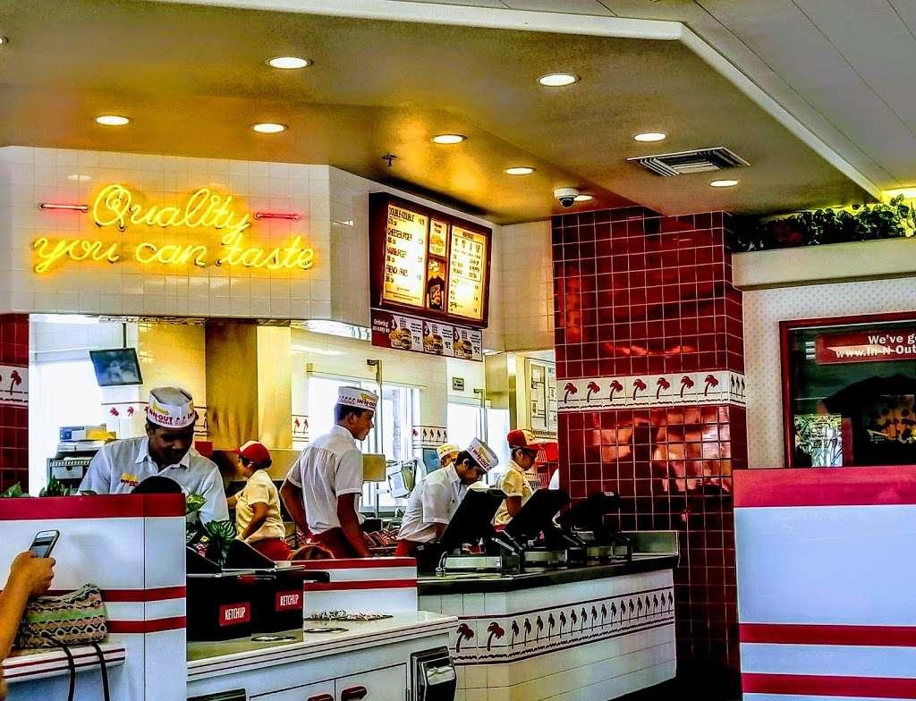 In-N-Out Burger - restaurant  | Photo 6 of 10 | Address: 1342 S Alma School Rd, Mesa, AZ 85210, USA | Phone: (800) 786-1000