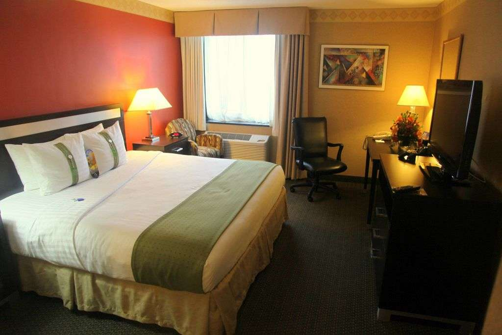 Holiday Inn LaGuardia Airport - lodging  | Photo 2 of 10 | Address: 37-10 114th St, Corona, NY 11368, USA