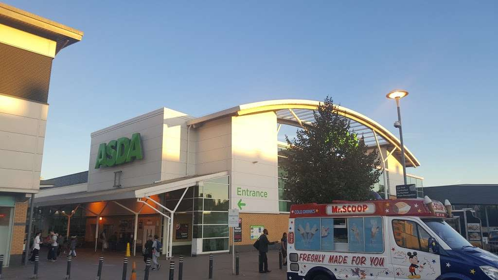 Asda Edmonton Green Superstore - supermarket  | Photo 3 of 10 | Address: 1 West Mall, London N9 0AL, UK | Phone: 020 8884 5300