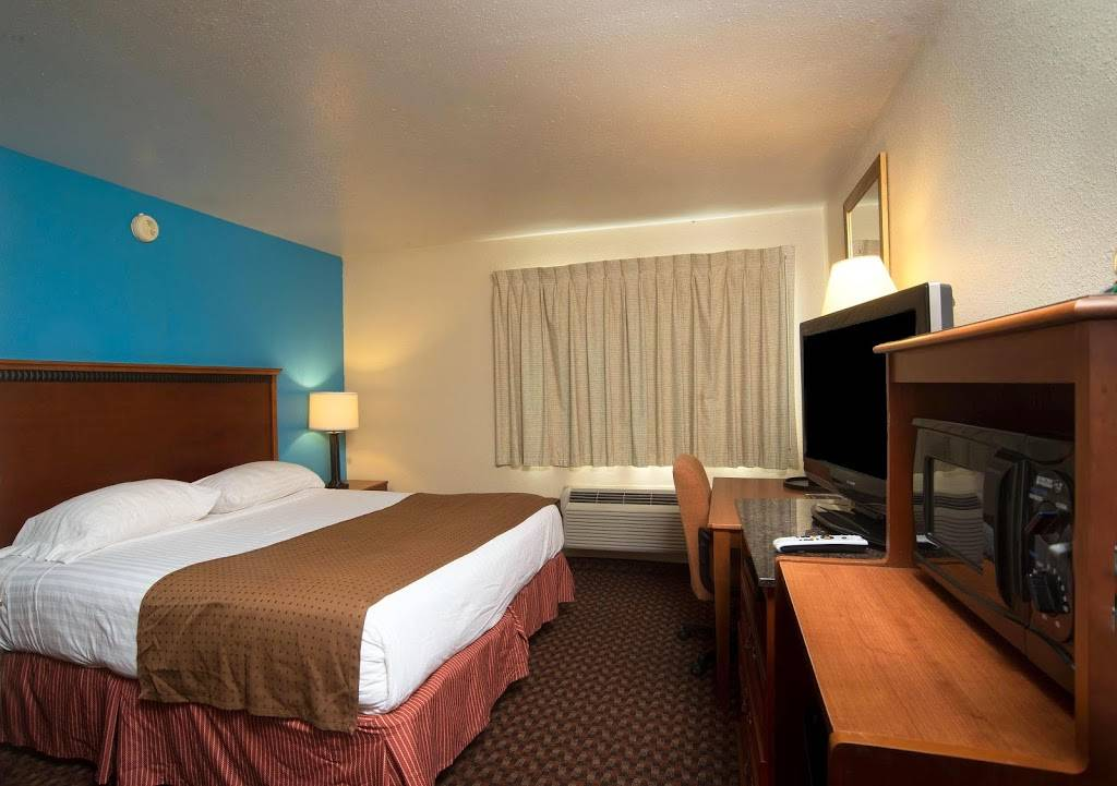 Americas Best Value Inn Lincoln Airport - lodging  | Photo 7 of 10 | Address: 3001 NW 12th St, Lincoln, NE 68521, USA | Phone: (402) 475-3211