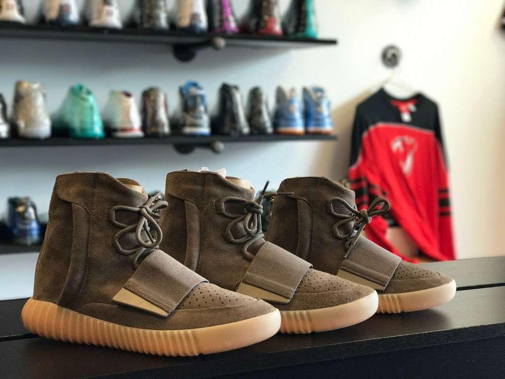 Kickz Da Habbit - shoe store  | Photo 2 of 10 | Address: 1318 Hanover Ave, Allentown, PA 18109, USA | Phone: (610) 674-9037