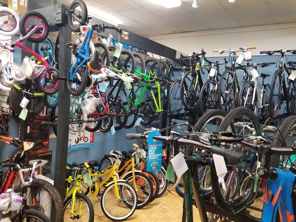 Wyckoff Cycle llc - bicycle store  | Photo 9 of 10 | Address: 396 Franklin Ave, Wyckoff, NJ 07481, USA | Phone: (201) 891-5500