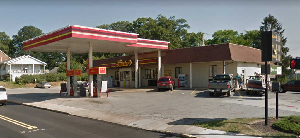 Rutters #28 - convenience store  | Photo 7 of 10 | Address: 301 N Main St, Red Lion, PA 17356, USA | Phone: (717) 244-9589