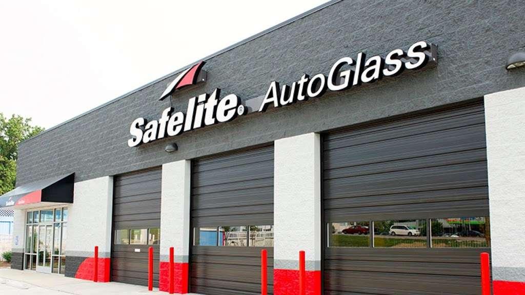 Safelite AutoGlass - car repair  | Photo 1 of 6 | Address: 1761 Columbia Ave, Lancaster, PA 17603, USA | Phone: (717) 925-8830