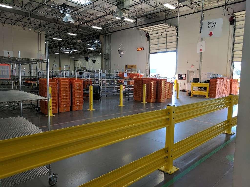 Amazon FLEX UAZ1 - storage  | Photo 5 of 10 | Address: 500 S 48th St, Phoenix, AZ 85034, USA | Phone: (888) 281-6901