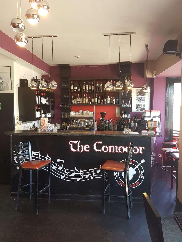 Pizza Comodor - restaurant  | Photo 1 of 6 | Address: 1 Market Square, Westerham TN16 1AN, UK | Phone: 01959 565600