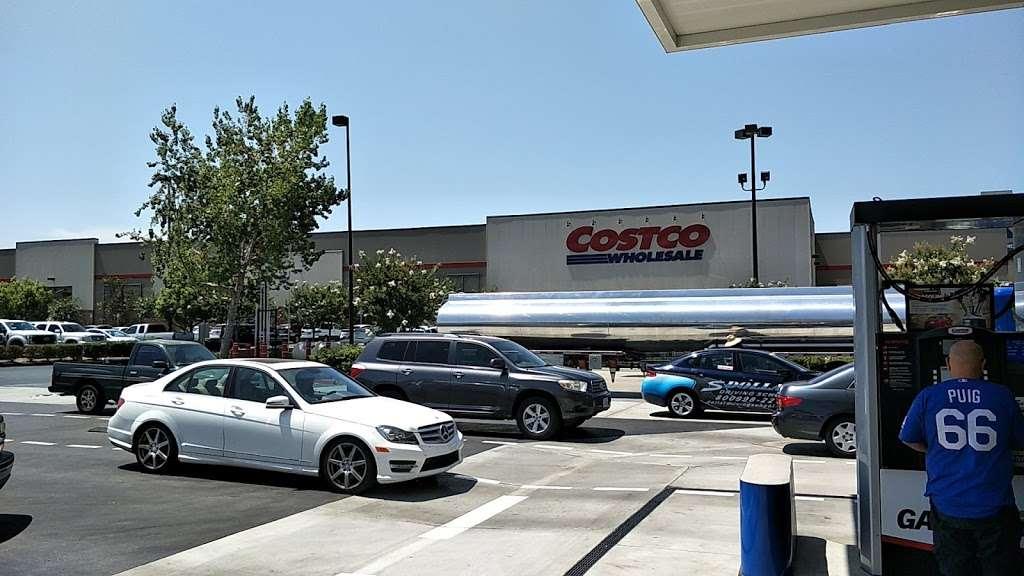 Costco Gasoline - gas station  | Photo 3 of 10 | Address: 13550 Paxton St, Pacoima, CA 91331, USA | Phone: (818) 272-2700