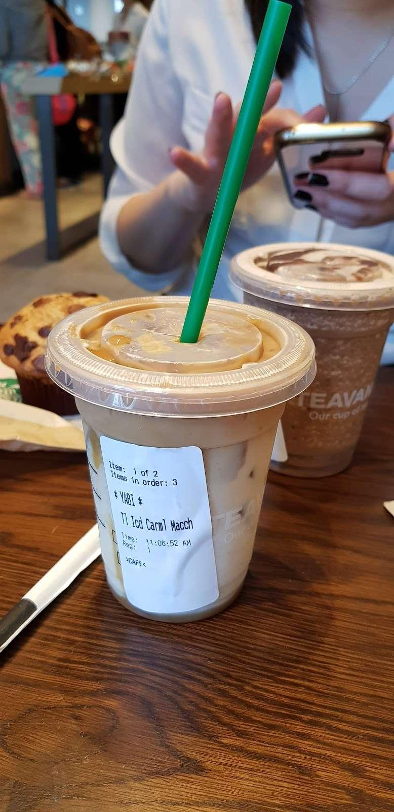 Starbucks - cafe  | Photo 4 of 10 | Address: 26-14 Jackson Ave, Long Island City, NY 11101, USA | Phone: (347) 533-2101