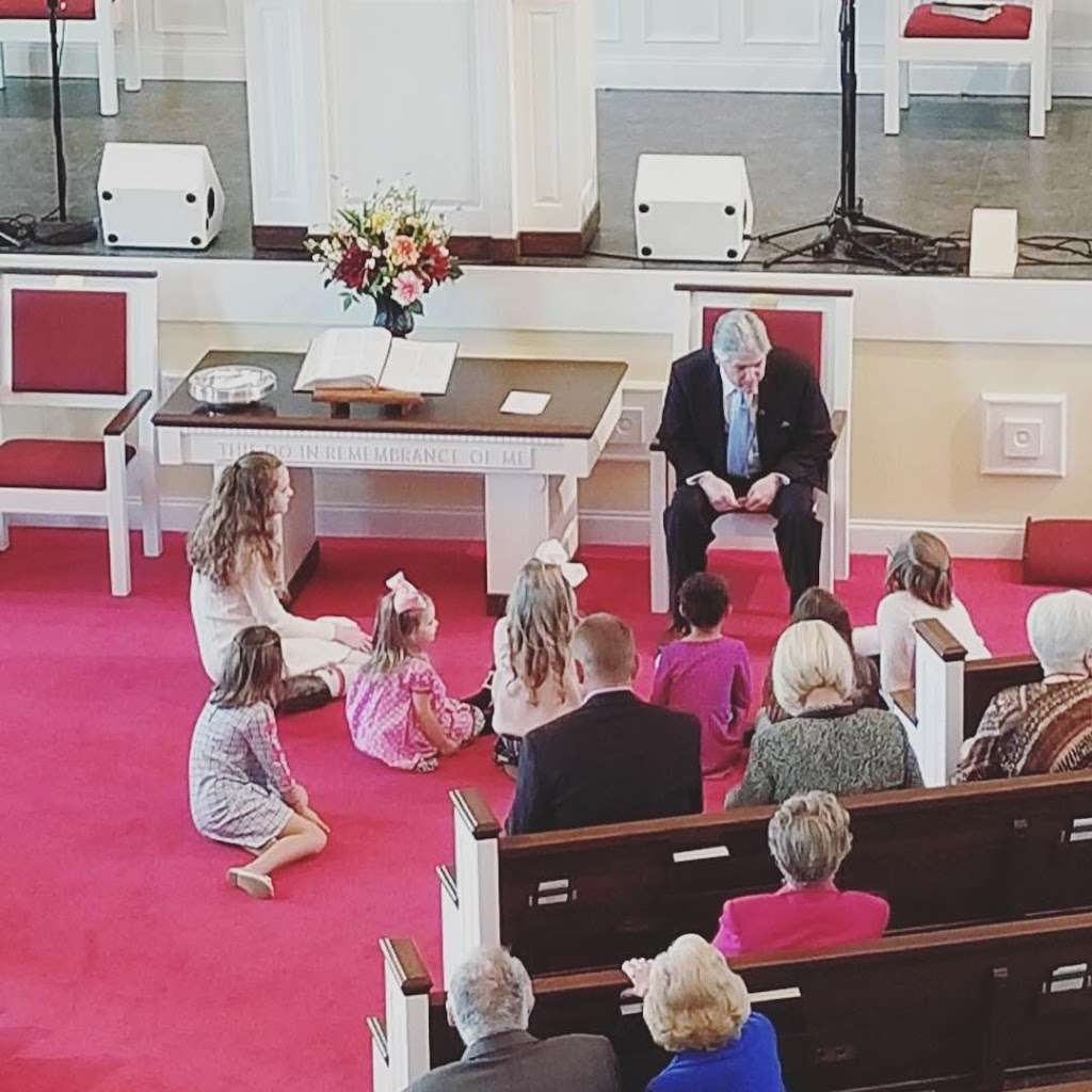 The Chapel Church - church  | Photo 2 of 5 | Address: 410 26th Ave NE, Hickory, NC 28601, USA | Phone: (828) 855-1777